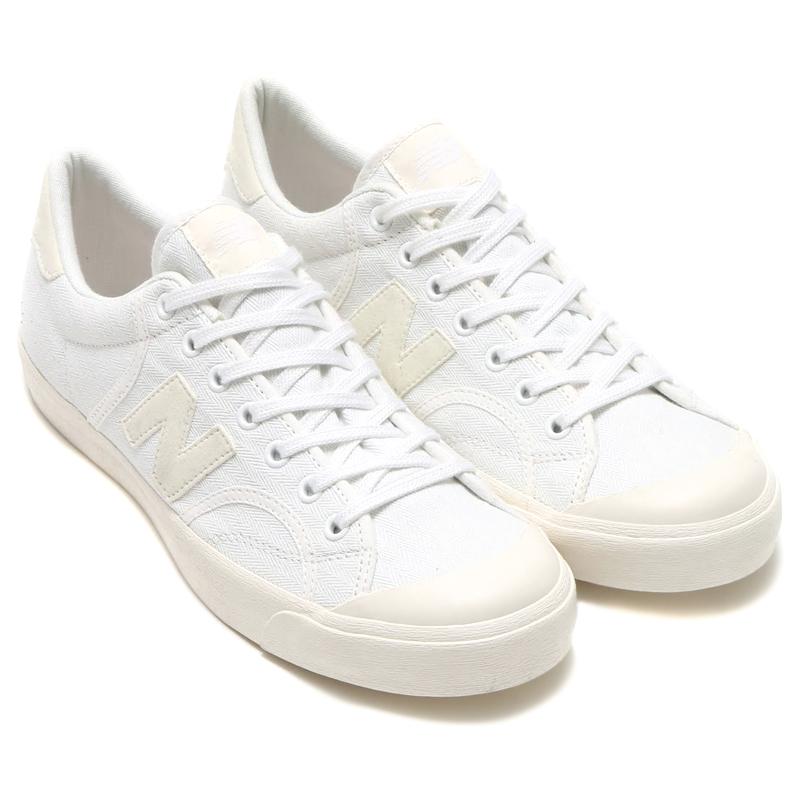 ニューバランス「PROCTS WHITE(プロコート ホワイト)」で白スニーカーコーデ