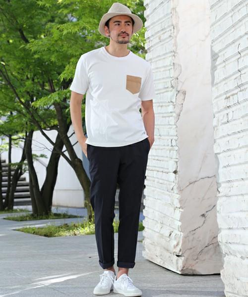 「プーマ ジャーマントレーナー ホワイト」を使った白スニーカーコーデ