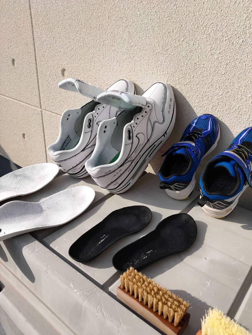 ジェイソンマークで靴のお洗濯😆 しかし、子供の靴は洗い甲斐がありますね🤣 泥水が