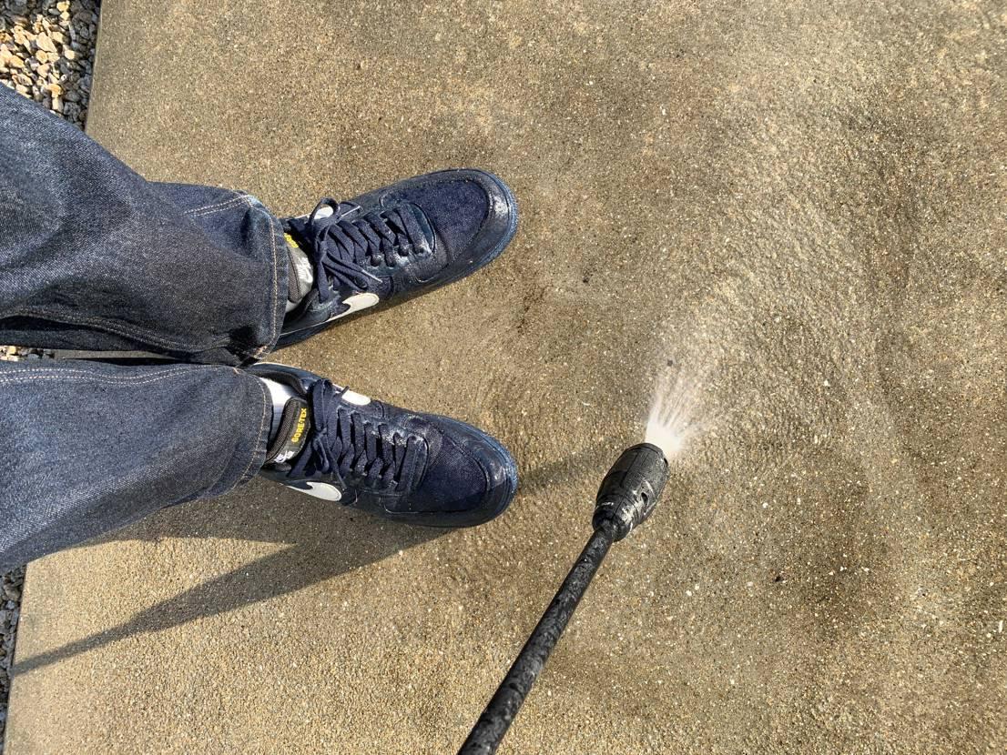 お掃除には やっぱり コレ 高水圧も怖くないぞ #nikeaf1gore