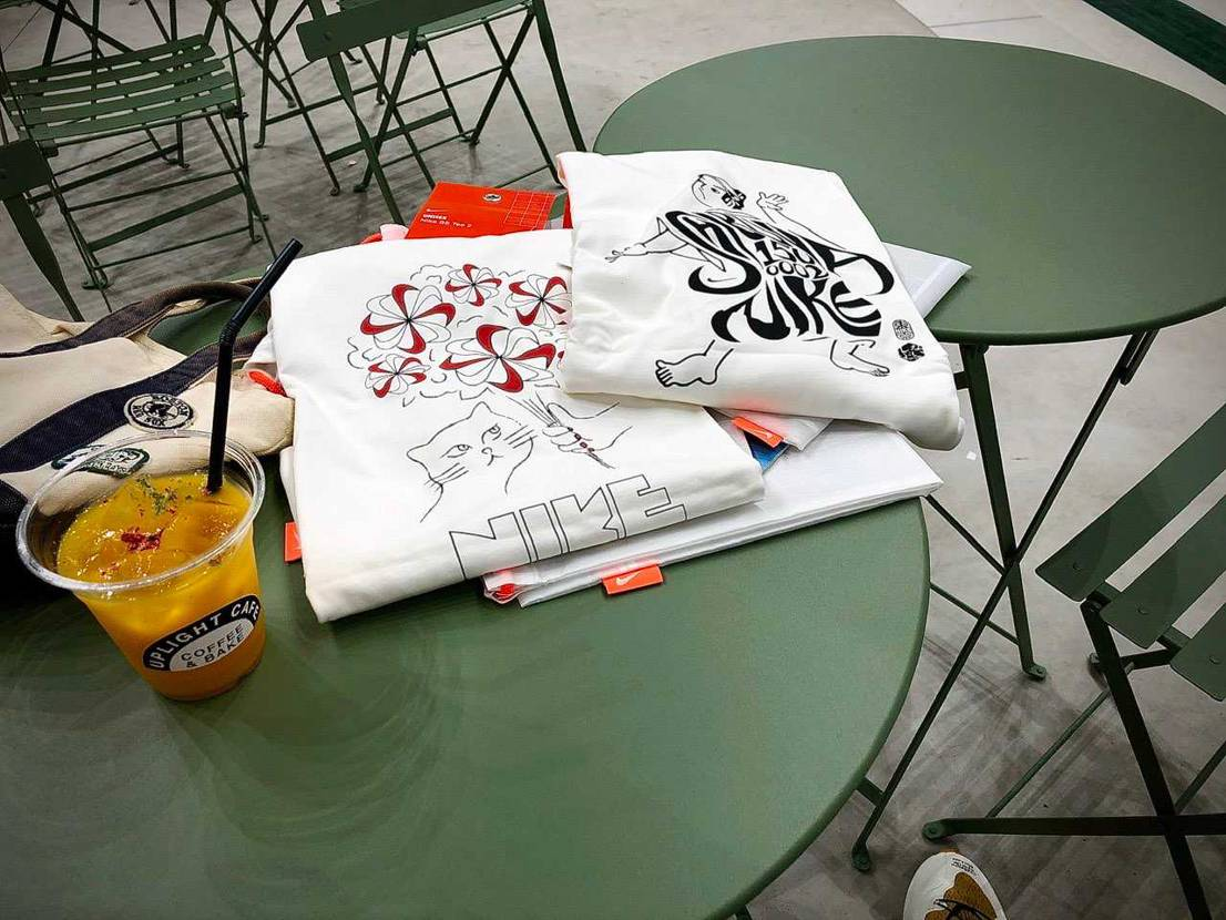 ナイキ渋谷スクランブル店にて 渋スク限定アパレルTシャツのみゲット。 キャッ