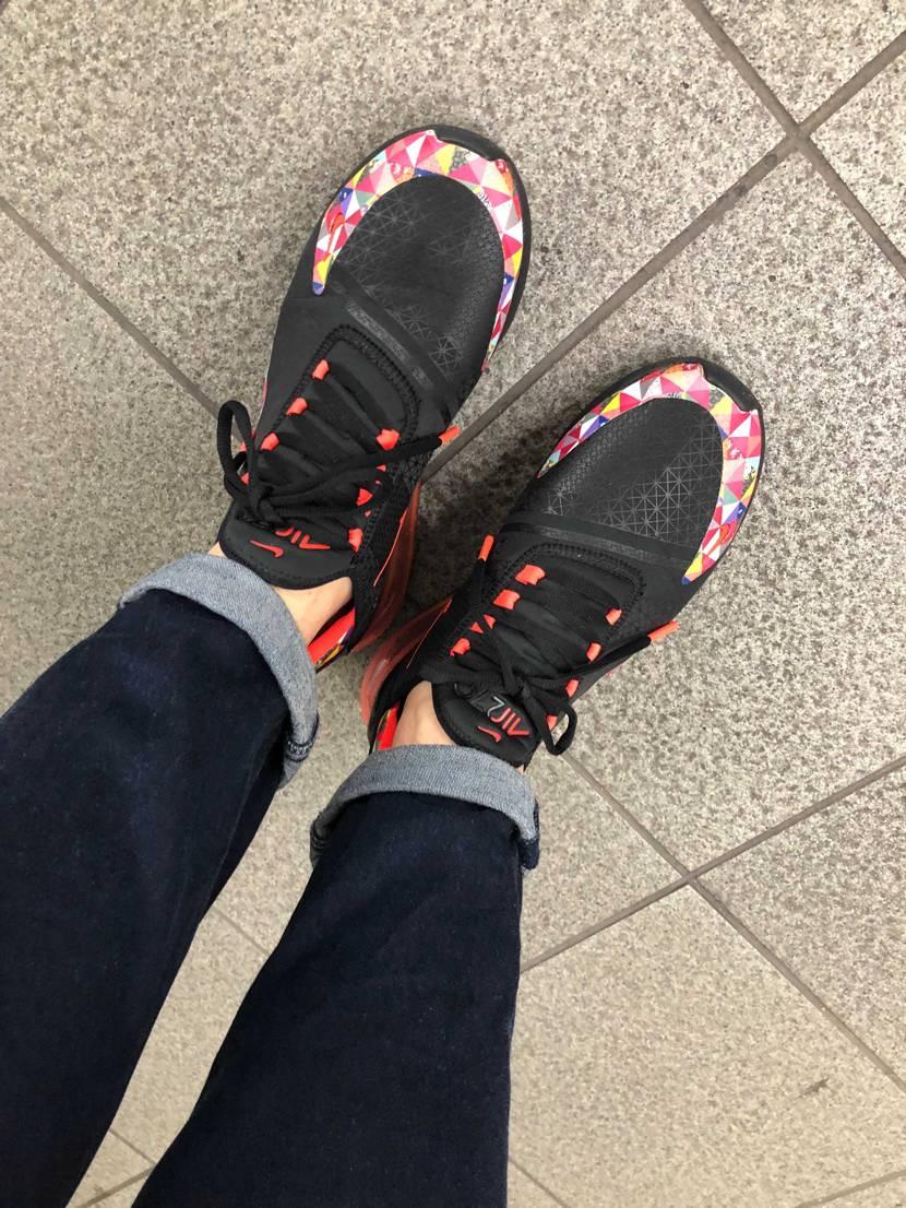雨の通勤嫌い… スポーティーなものを履くと少し元気でる。  ちなみにこの2