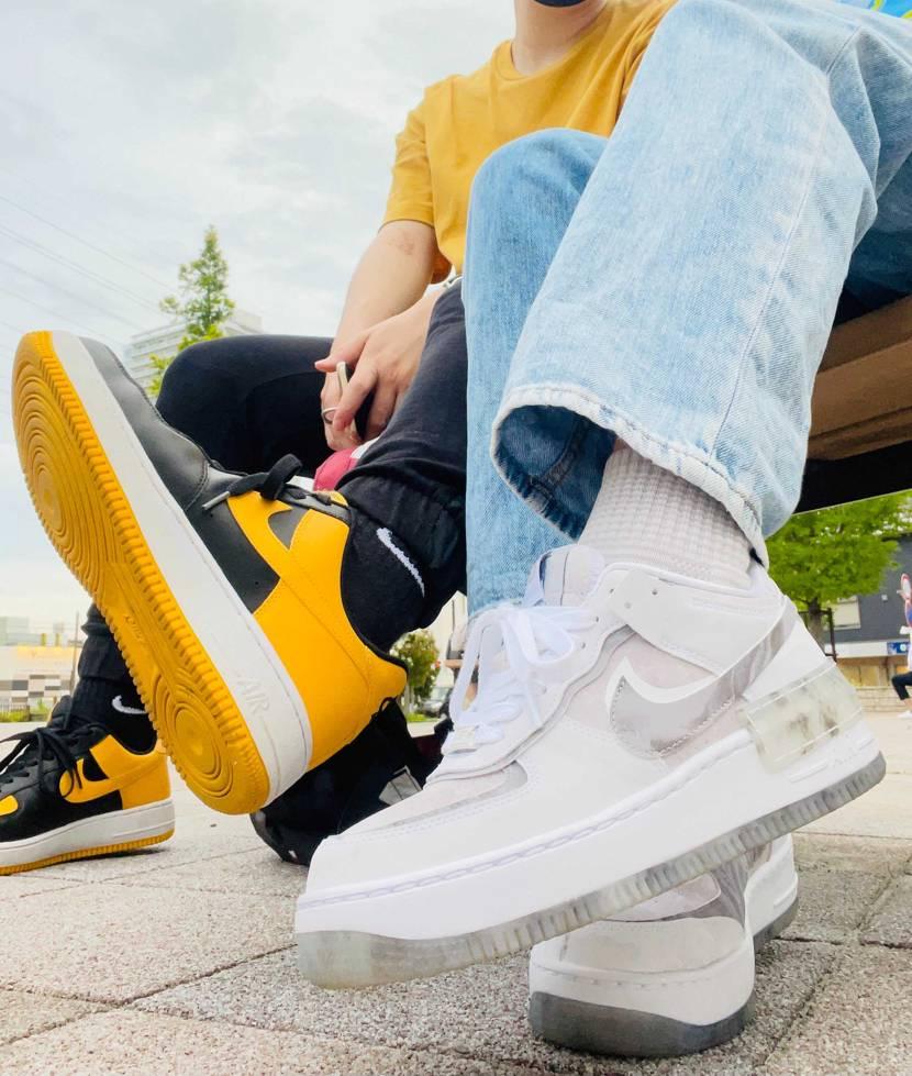 #sneaker .    #sneakers .    #nike .