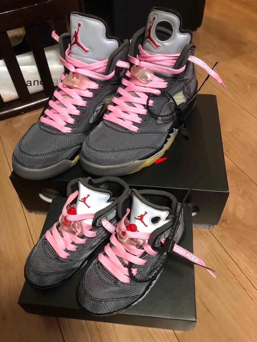 子供とお揃い 靴紐はピンクがイイそうです。