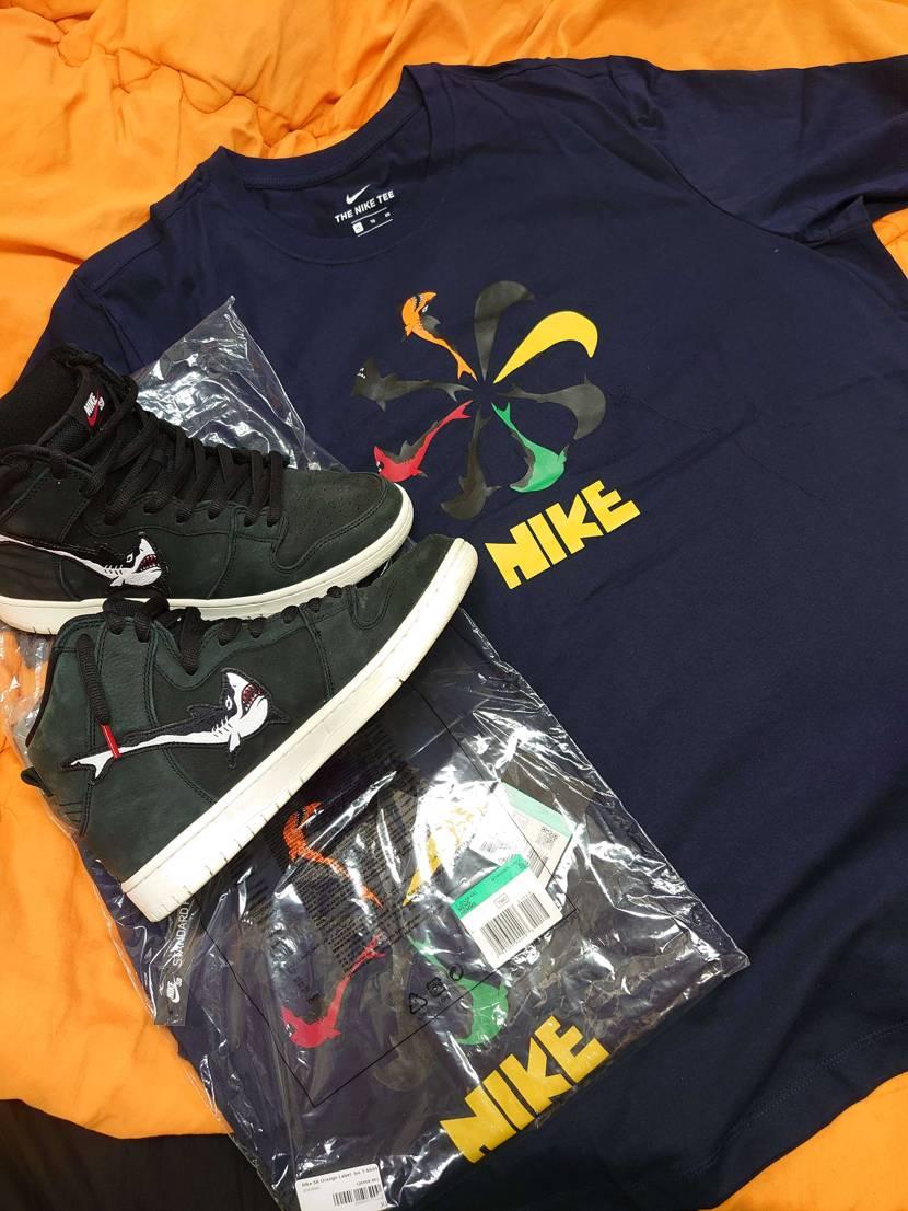 またまた、OSKI×NIKEコラボのシャークアパレルのTシャツ買ったのが届きまし