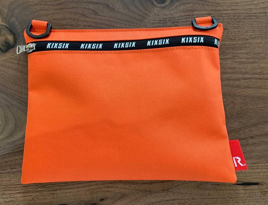 キックスシックスの2020円福袋届きました🤔 ポーチと中身は靴下とシューレース