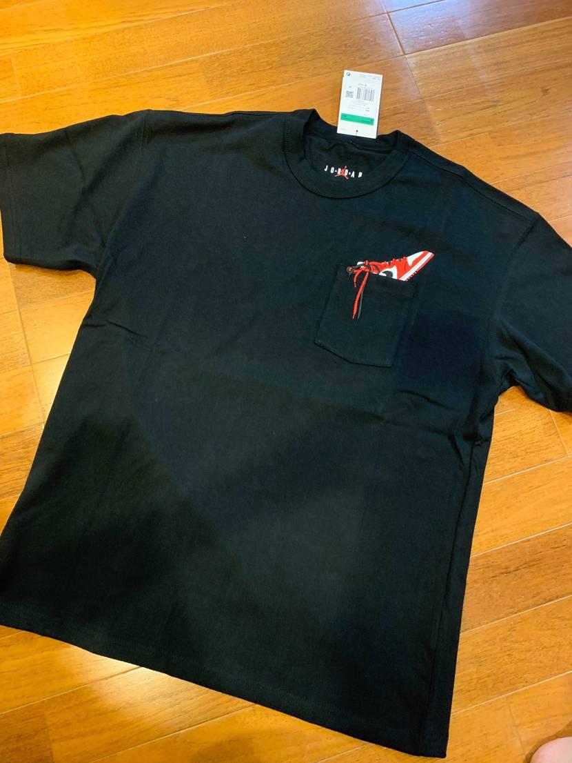 エアジョーダン1/ポケットTシャツ/DO1928-010  ワッペンかなぁっ