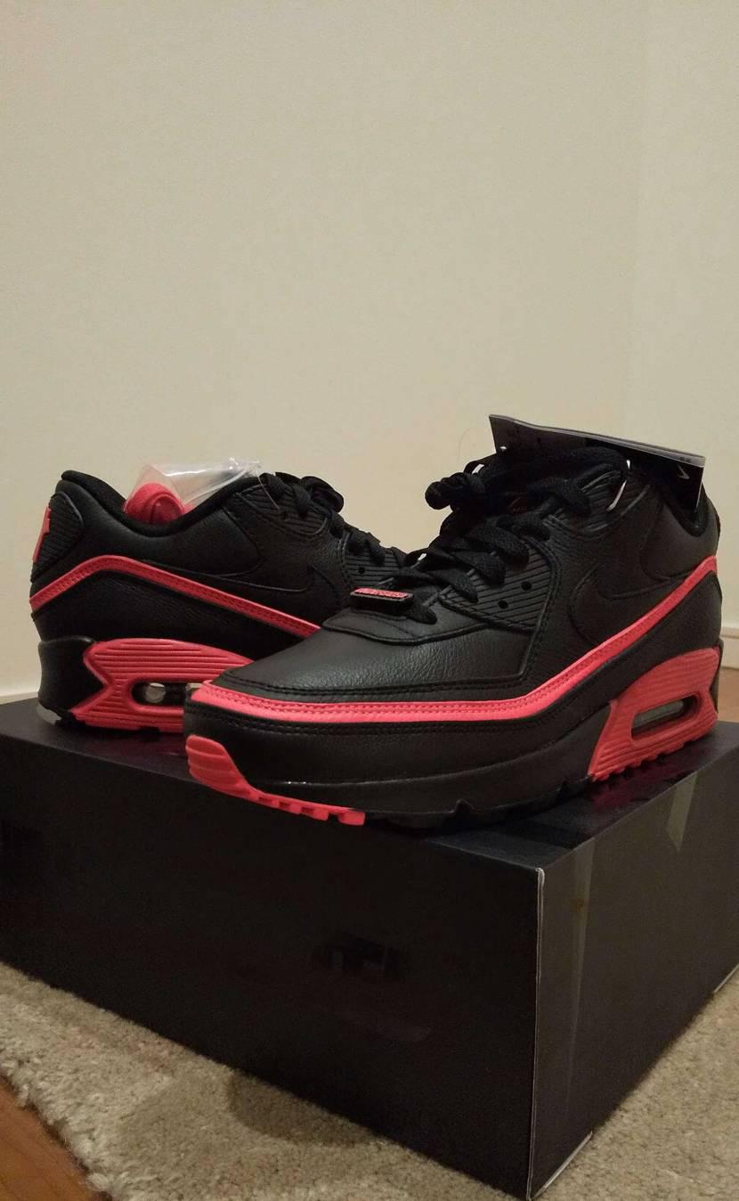 この90の一番惹かれたところ  ぱっと見、どこのブランドの靴