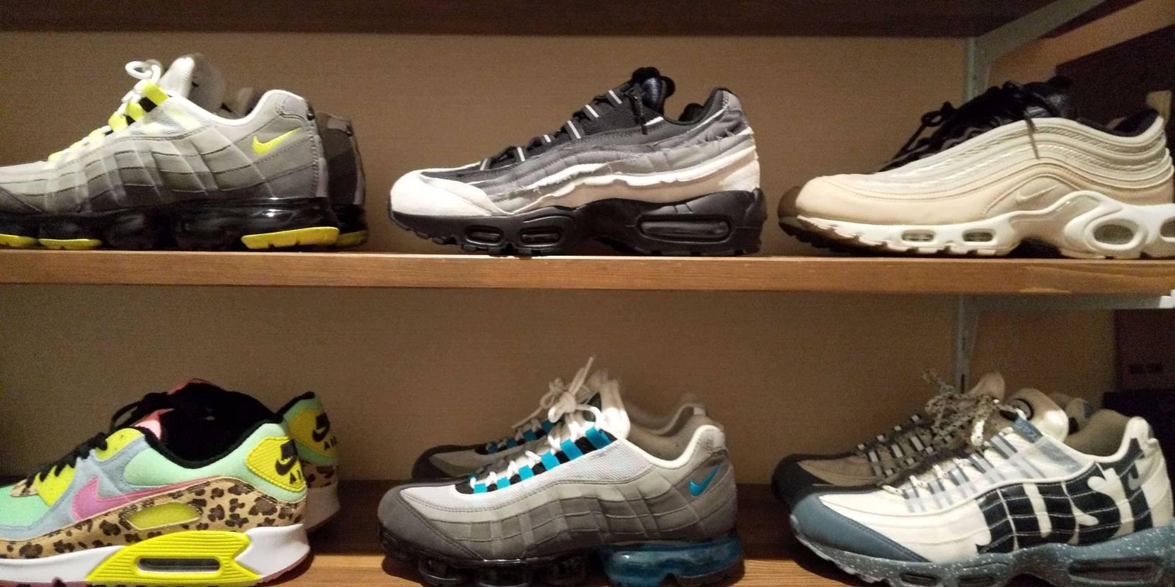こうやって並べてみると、細部までデザインのこだわりを感じます。値段相応の靴と言え