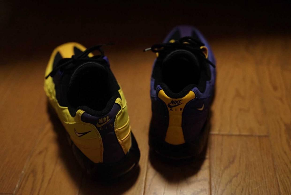 レブロン届きましたよ〜い٩( ᐛ )و ド派手で履き辛い感じの靴ですが、好きで
