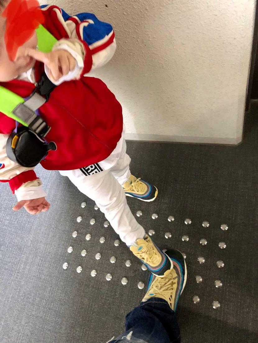 最近息子が同じ靴を履きたがります。  そして踏みたがります🥺