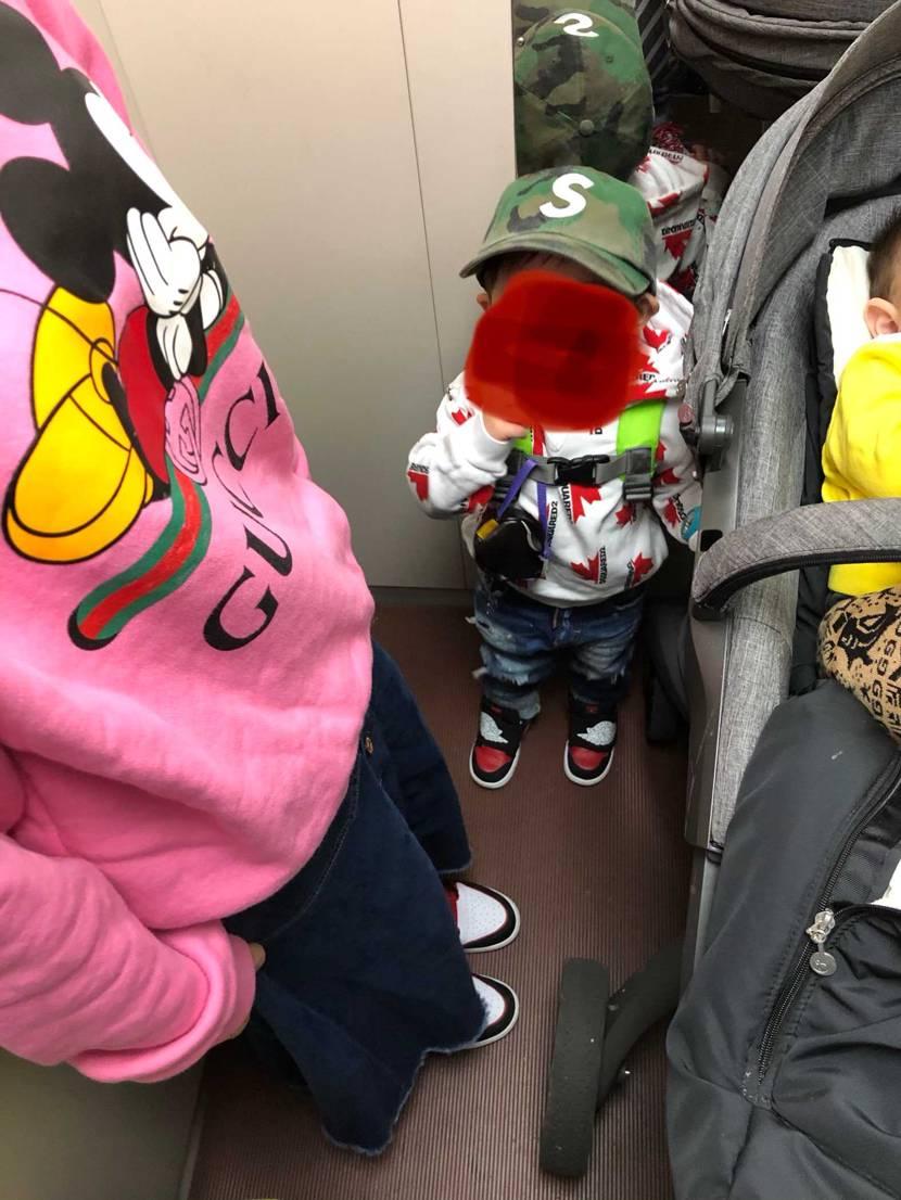 今日は昼からブラブラ大阪に行きます😄 シュプリームとアンディフィーテッドでも