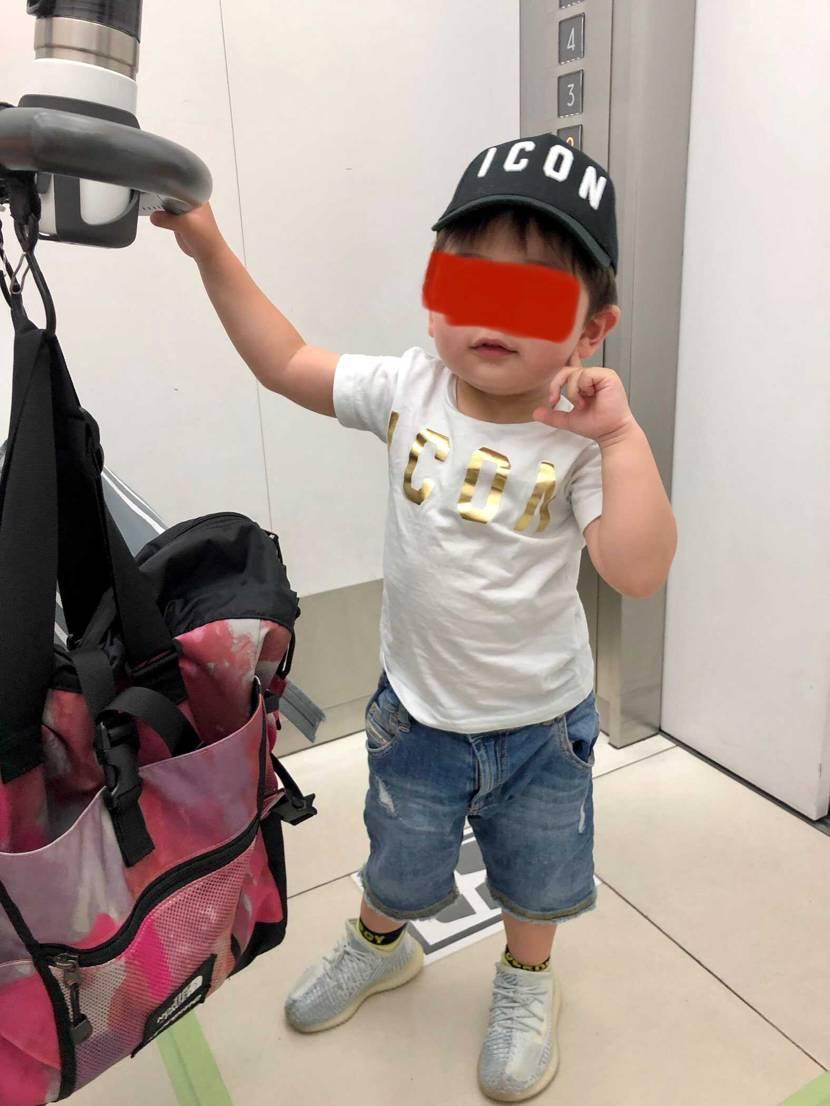 今日は久しぶりにイージーブーストを履いてお買い物に来ました😊 まだ2歳なんでマ