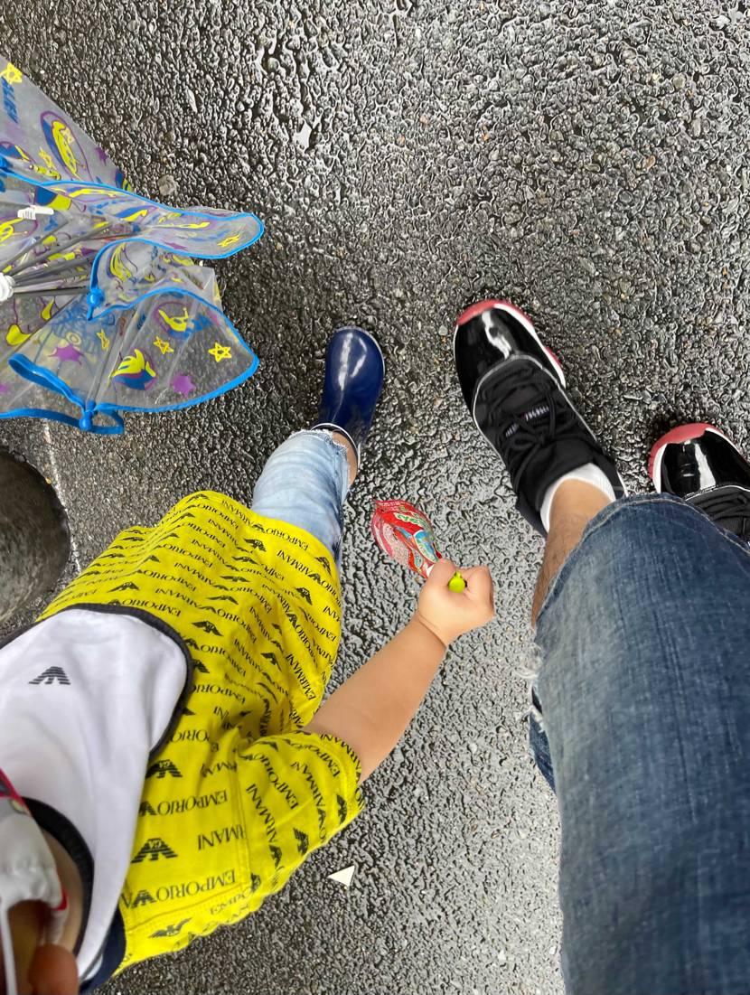 最近雨ばっかりですね。 先日虎ダン🐯履いてうどん食べてきました。 今日は息子
