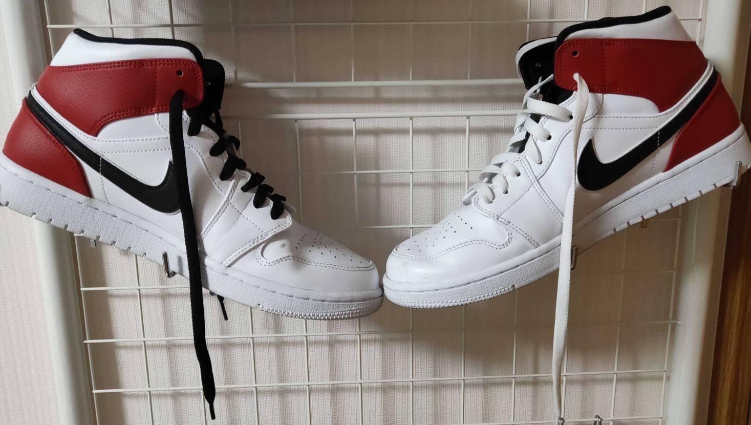靴紐、左右で変えてみたけど、かなりいい!😊👍#nike #airjordan