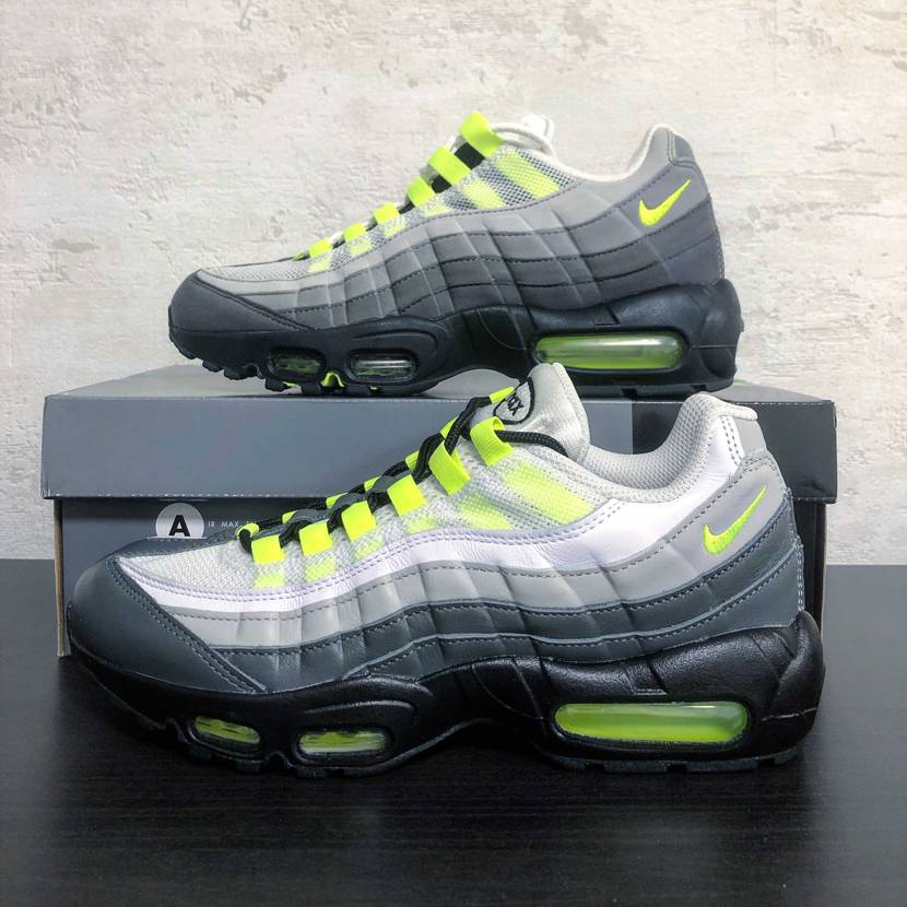 by you unrockedのairmax95がようやく到着! 早速本家と並