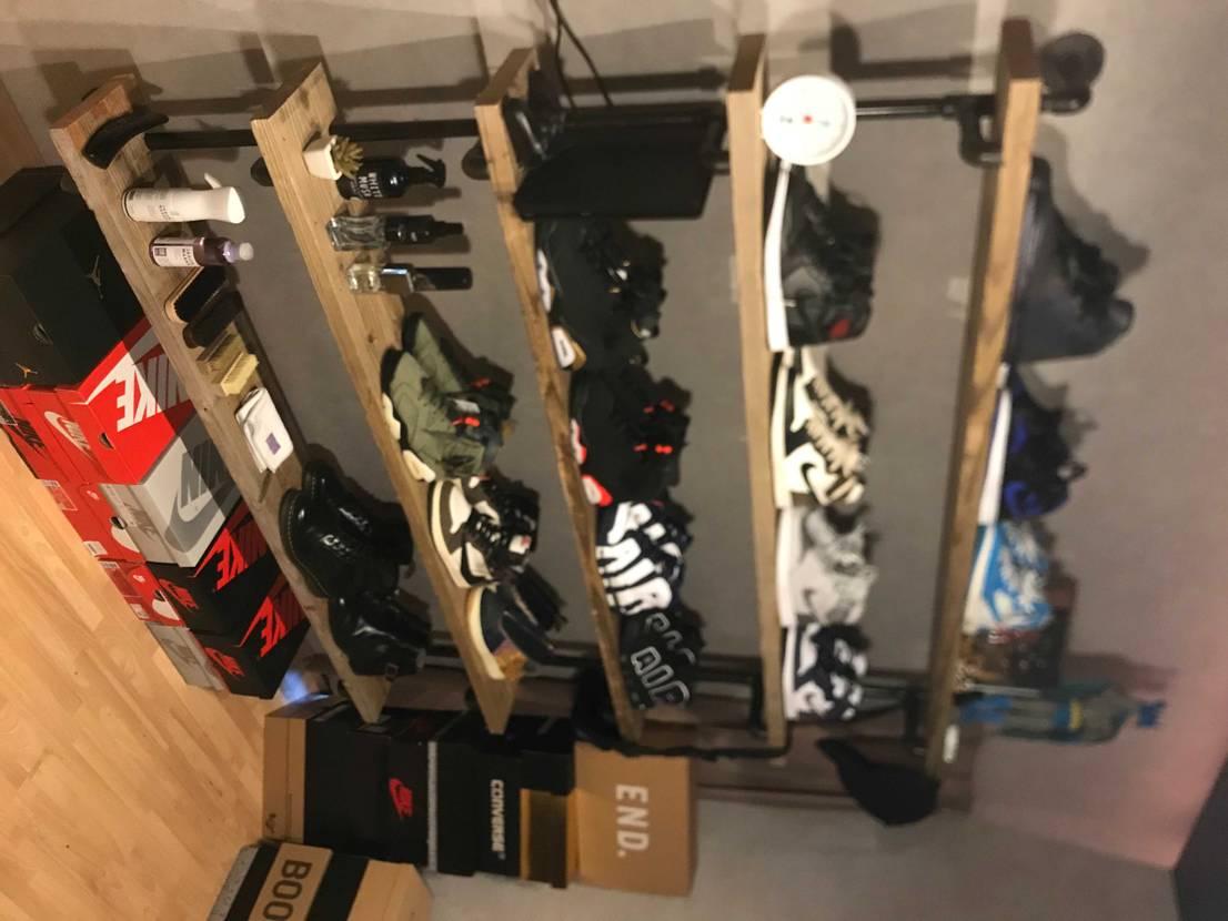 DIYでディスプレイ棚作りました‼️😁✌️#スニーカーディスプレイ棚DIY