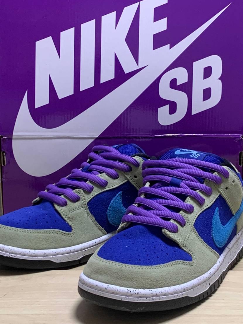 紫が好きなのに、青系スニーカーばっかり当たるので セラドンをパープル仕様にして