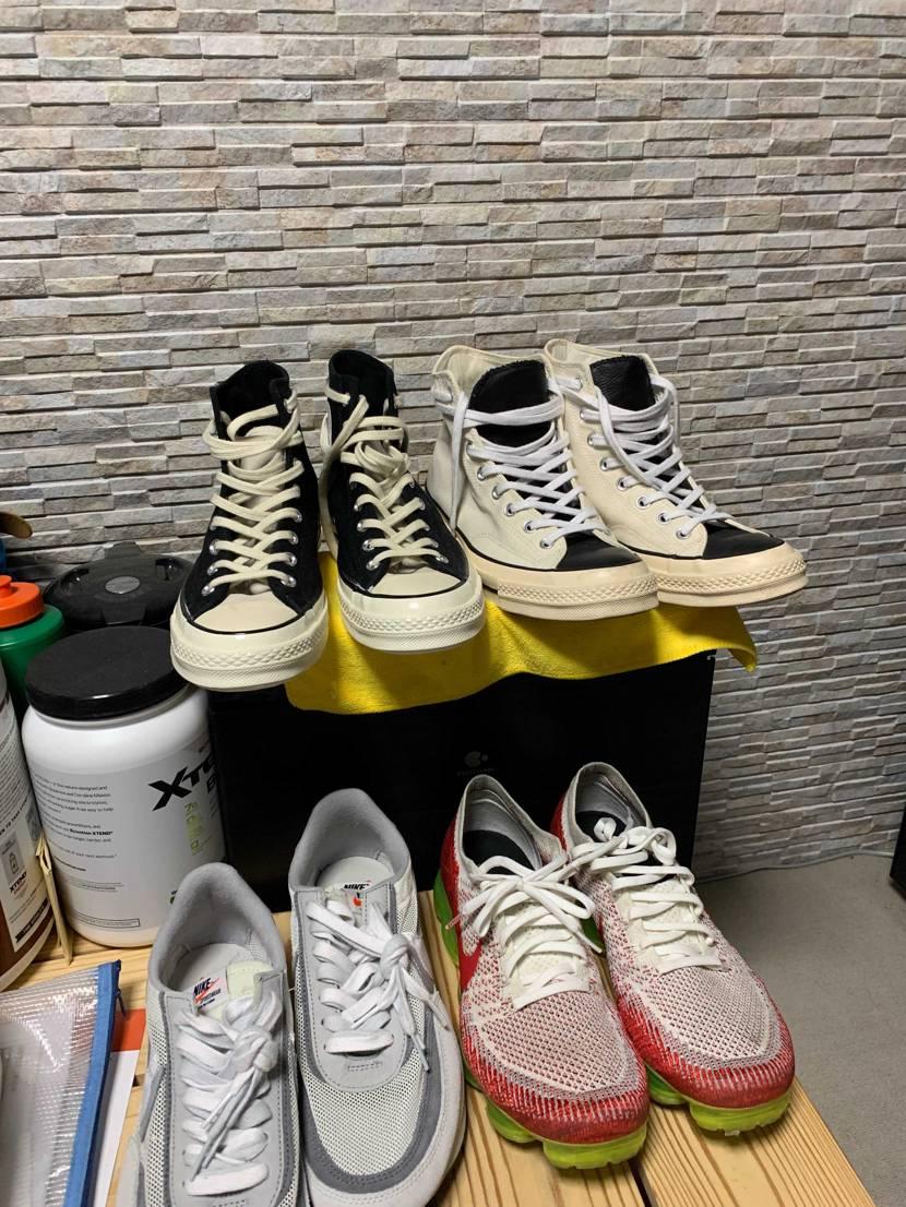 今年再販されて騒がれ、この靴の存在みなさんに認知されて買えなくて悲しいです。20