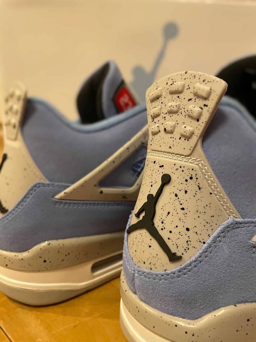 "Air Jordan 4 Retro SE ""University Blue""💙"