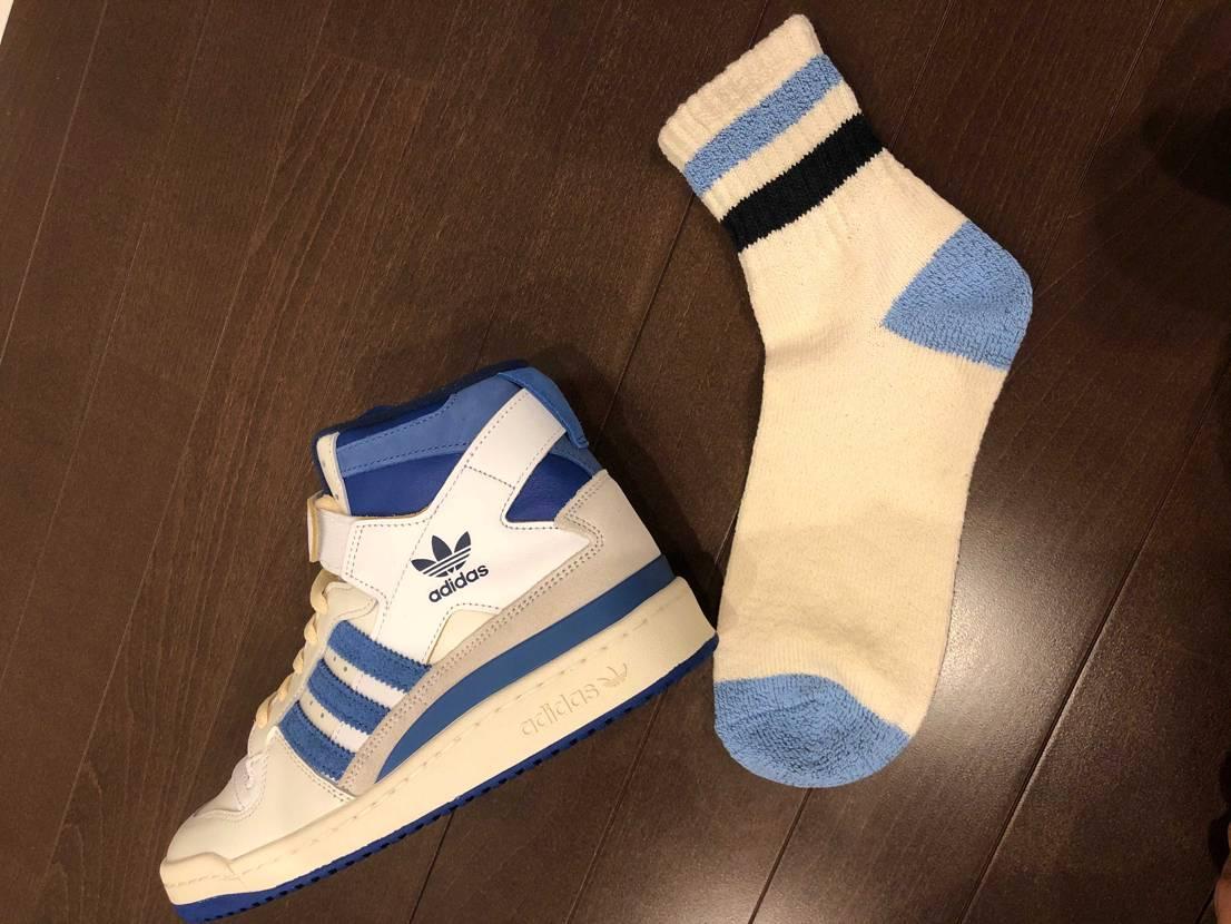 パシオスにナイスカラーな靴下発見!