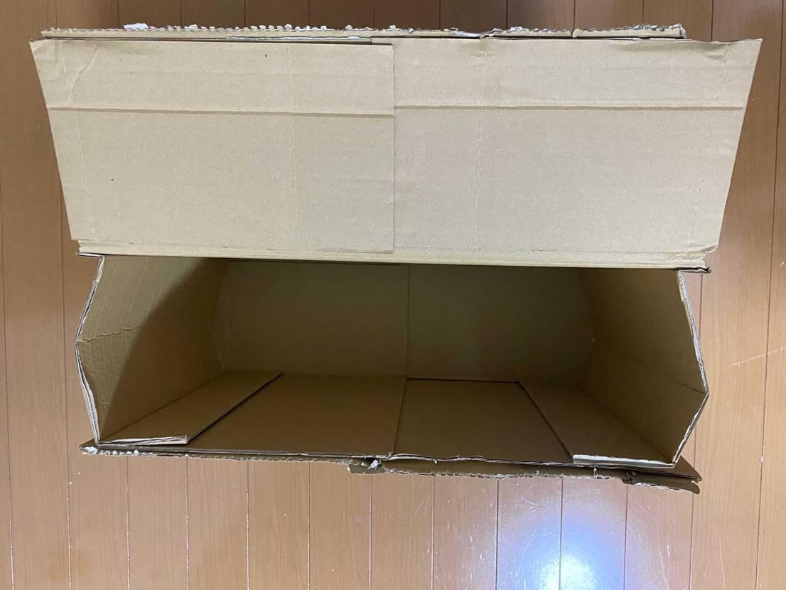 皆さんUnionjordanの写真ばかりなので、今回は敢えて輸送用の箱を、レビュ