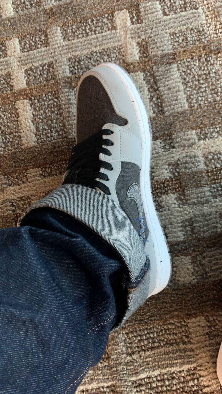 太めのジーンズ履いてればAJ1シャドウ2.0っぽい?🤔 ハイよりもローなら汚れ