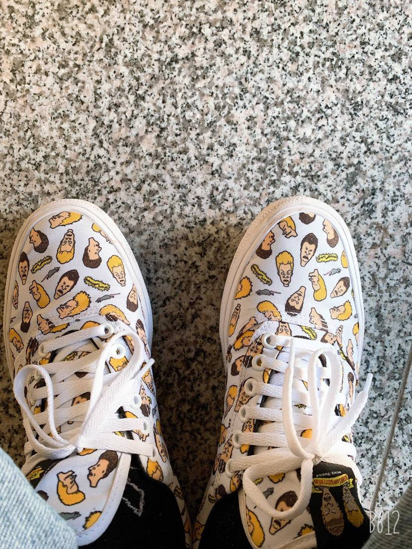 この靴なんかいいー笑