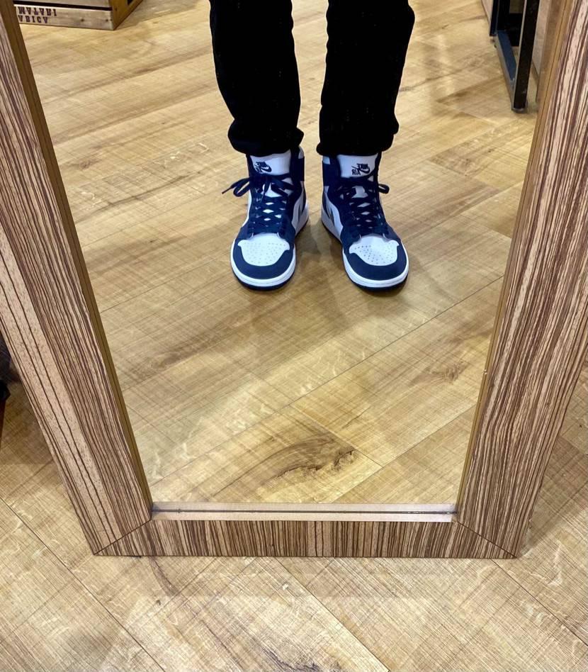初下ろし😆 やっぱり自分が履きたいスニーカー履いてる時が1番ワクワクする😀