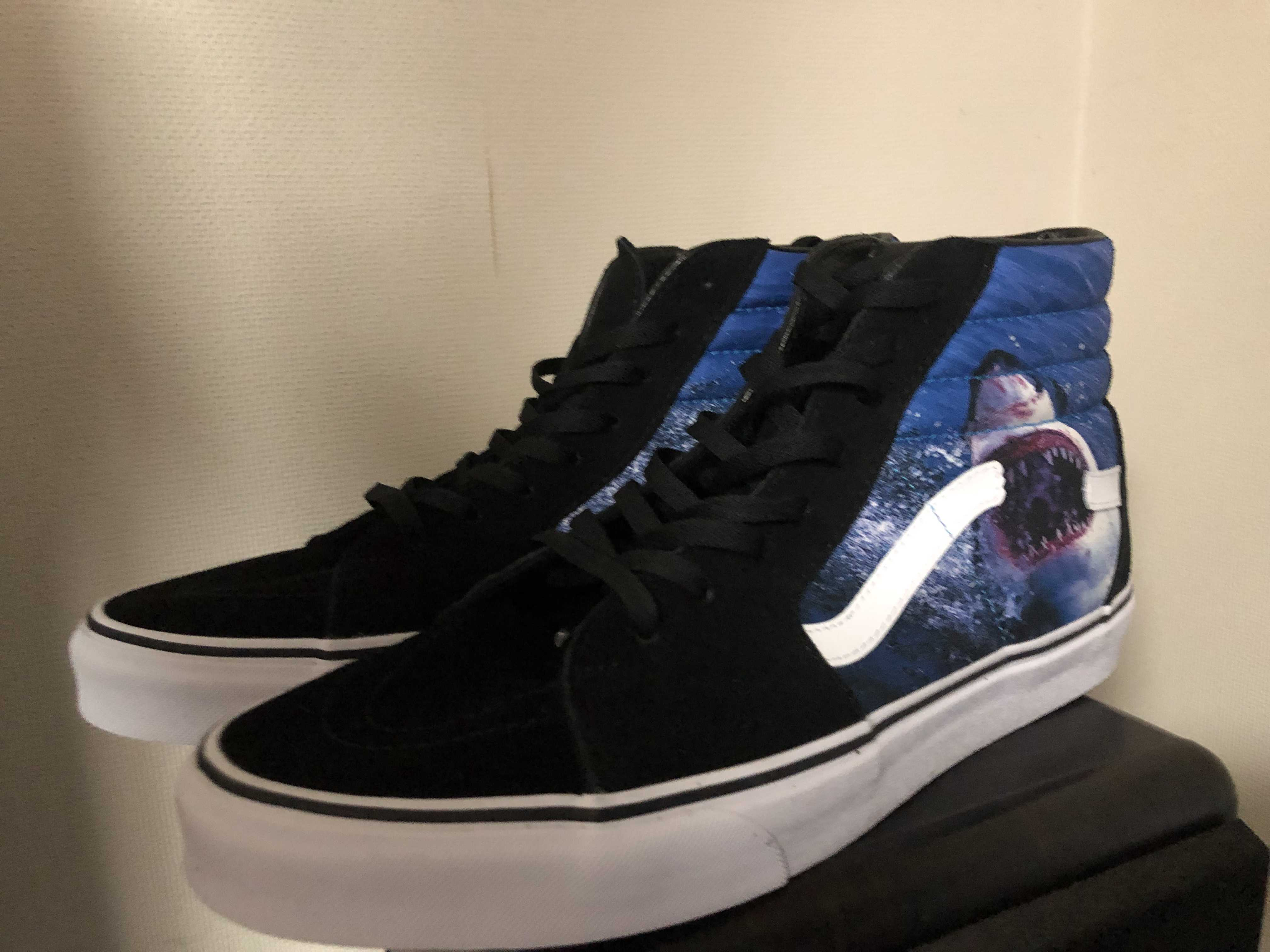 """DISCOVERY CHANNEL × VANS SK8-HI & """"SHARK WEEK COLLECTION"""""""