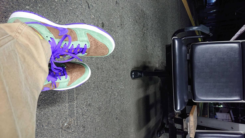 初履き。ダンクは二十歳ぐらいの時は普通の靴屋に普通に置かれていたのを普通に買って