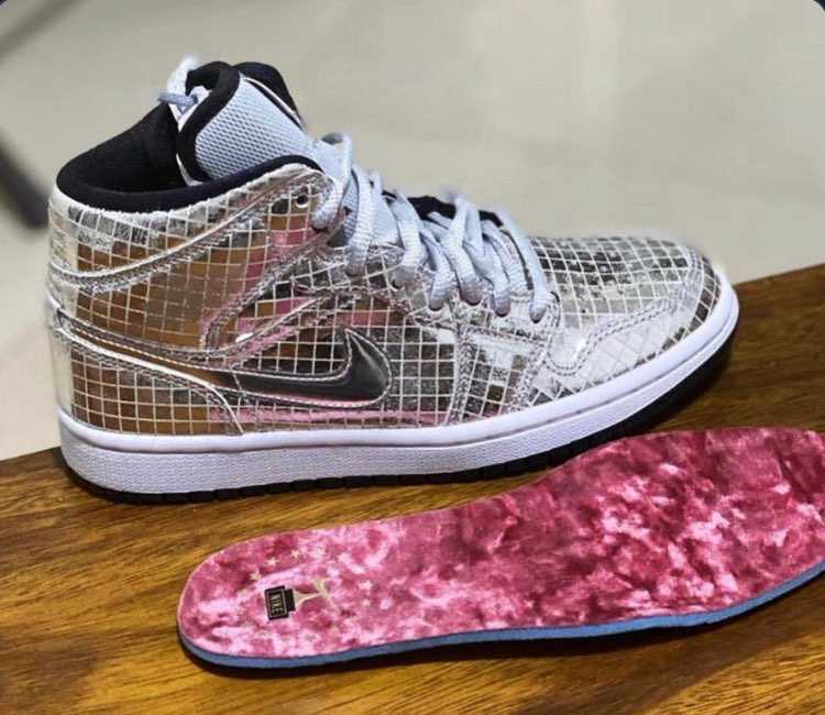 "Air Jordan 1 Mid ""Disco Ball""……凄いキラキラ🤩"