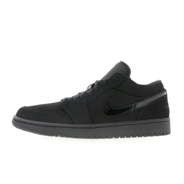 Air Jordan 1 Low Triple Black