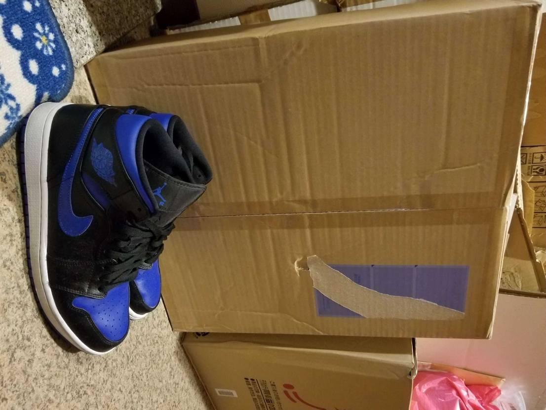 本当に箱大きいのね…。  そして、本当に写真横になるのね…。