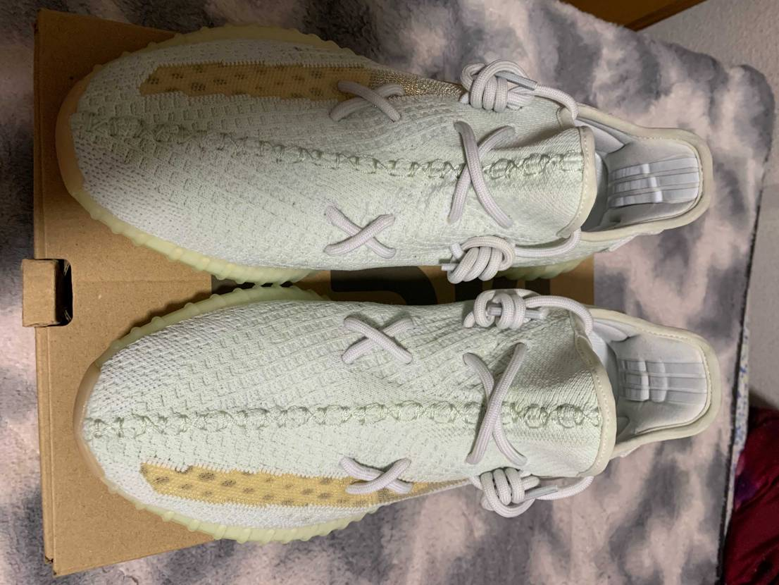 Yezzy boost350 hyperspace 28.5