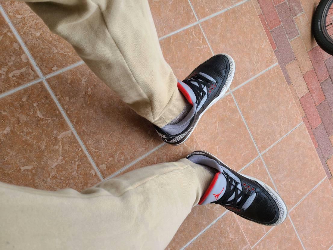 靴ずれが凄い