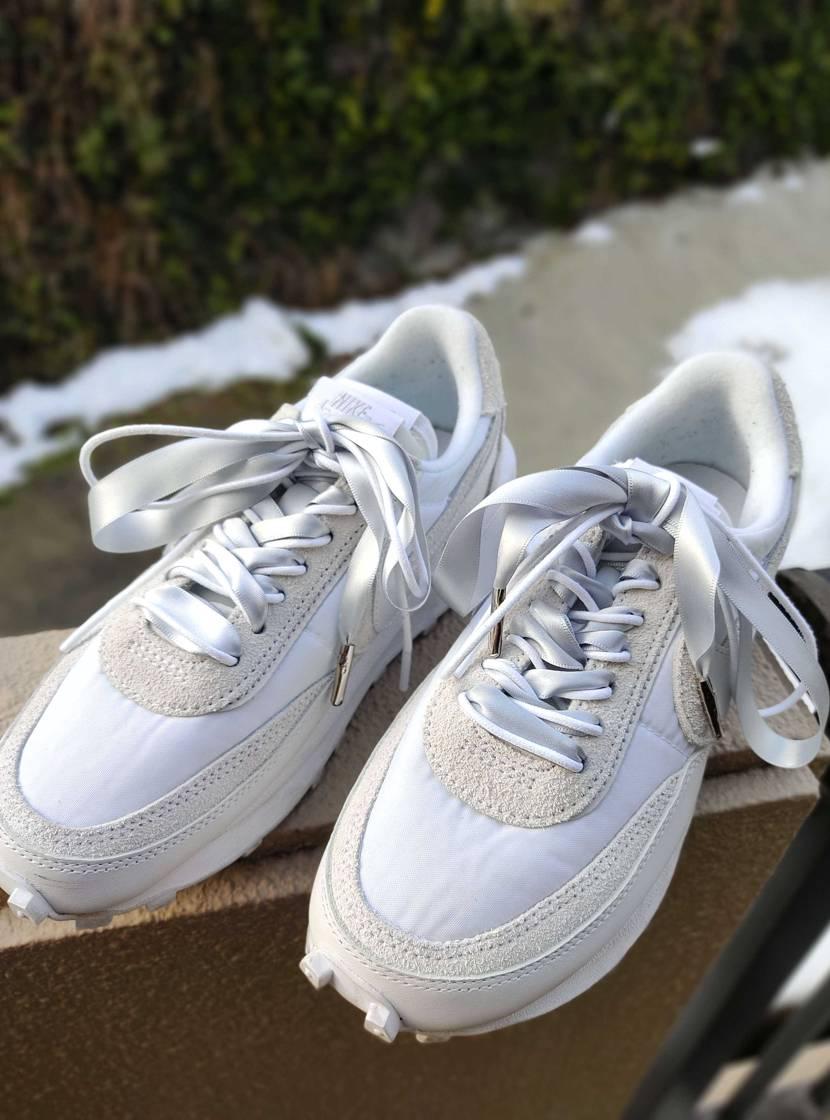 嫁ちゃんのsacaiの靴紐を交換ʕ·ᴥ·ʔ いくつか色を見繕ったものの無難にシル