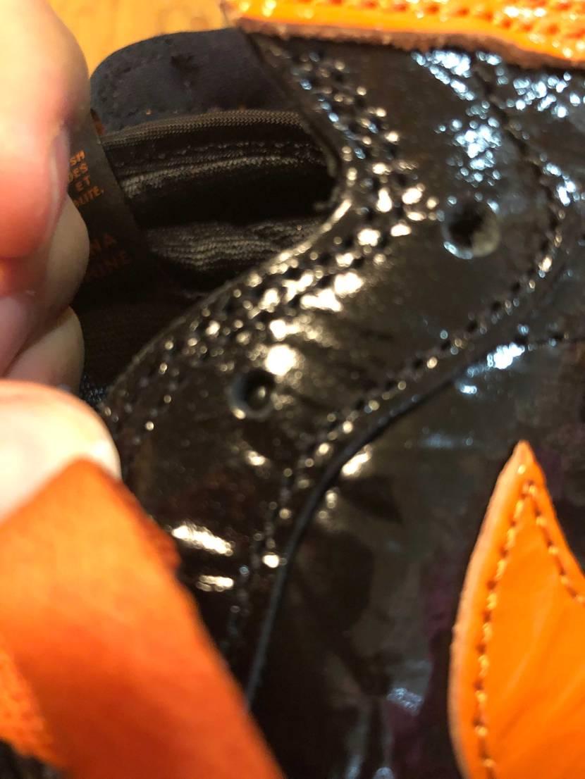 初aj1なのに靴紐穴空いてないとかある?!?!😇  #初投稿