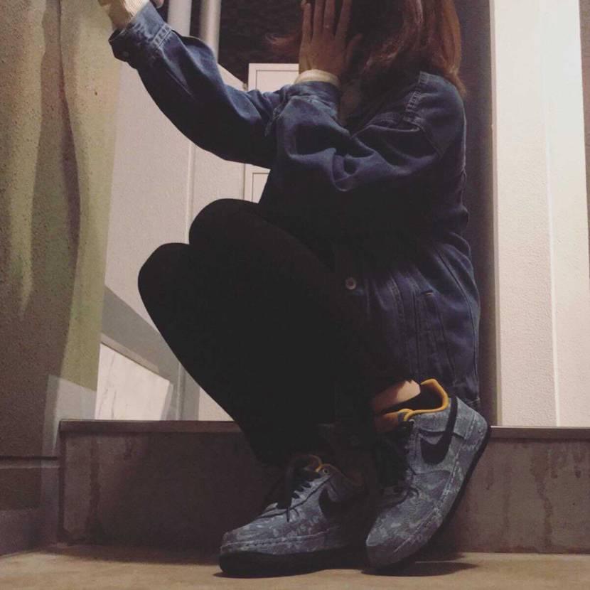 靴紐をネイビーに変えてみました