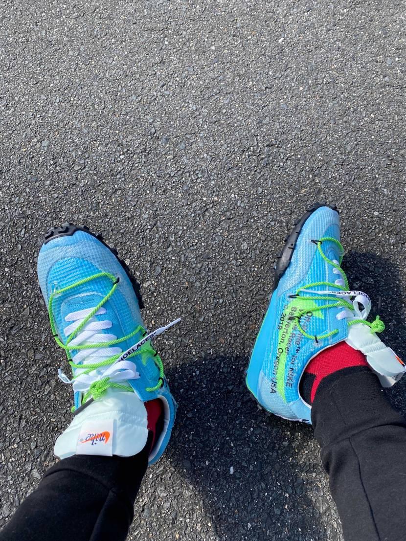 今日はコイツをおろしました😎 一回履いてカスタムしようかなと思ってます。 靴