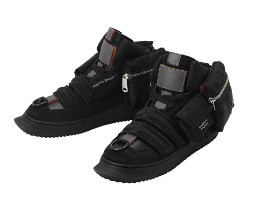 porterと村上隆のスニーカーが出るようで、買おうか考え中です。以前の持ってい