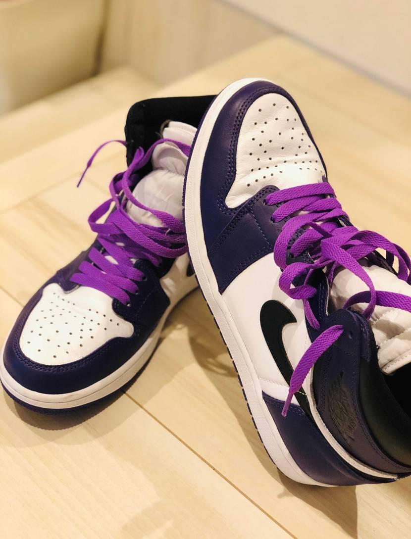 別のAJ1シューレースに、court purpleにお似合いのものがありました。