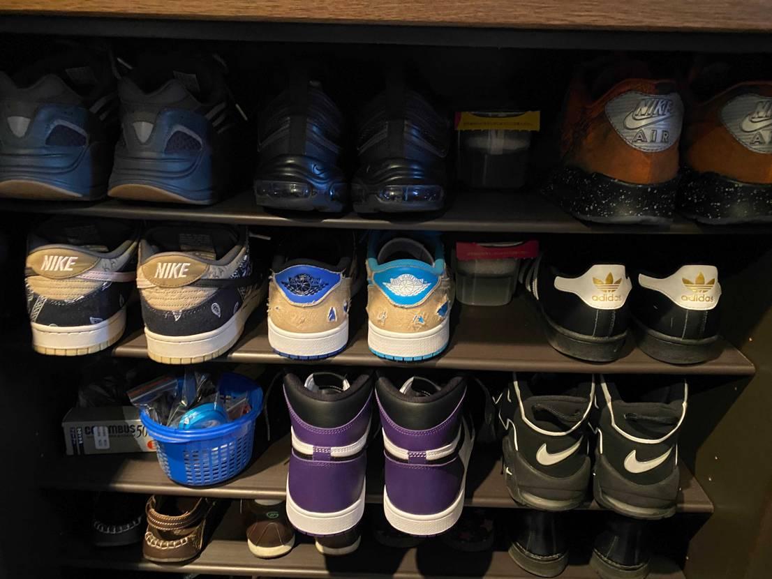 いい感じにスニーカー増えてきて靴箱が豪華になってきた。