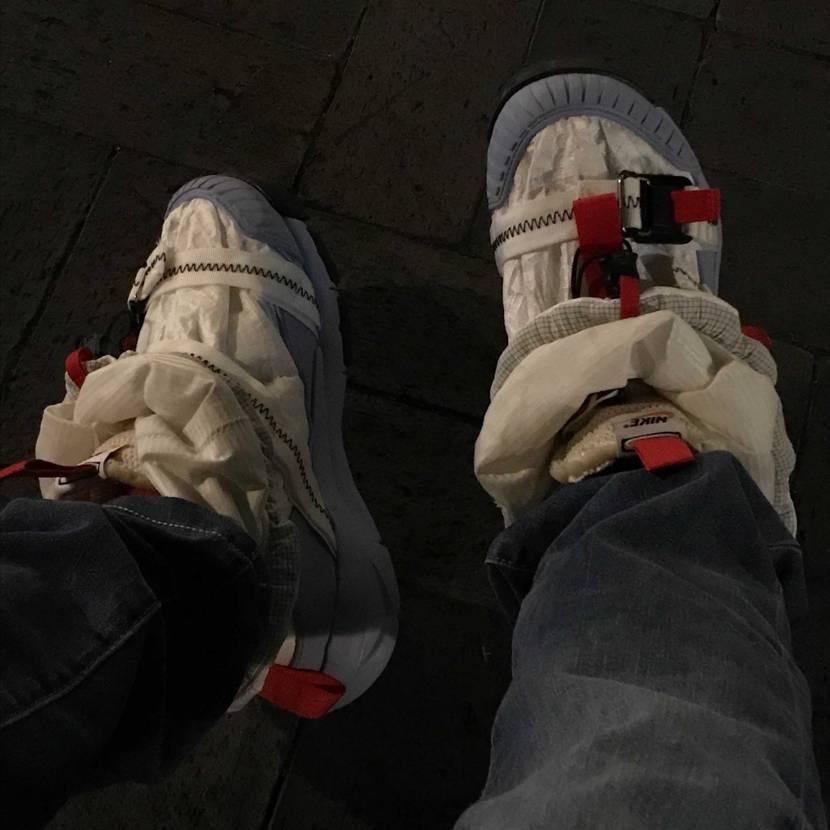 今日はマーズヤードで出かけました。この時期に履く靴じゃないね。暑い。 最近履いて