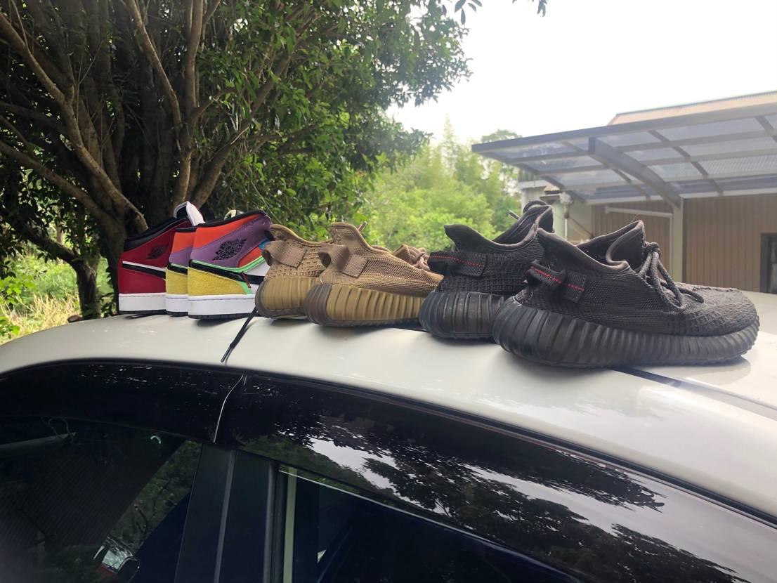 車を掃除してたら、いっぱいスニーカー出てきた笑笑