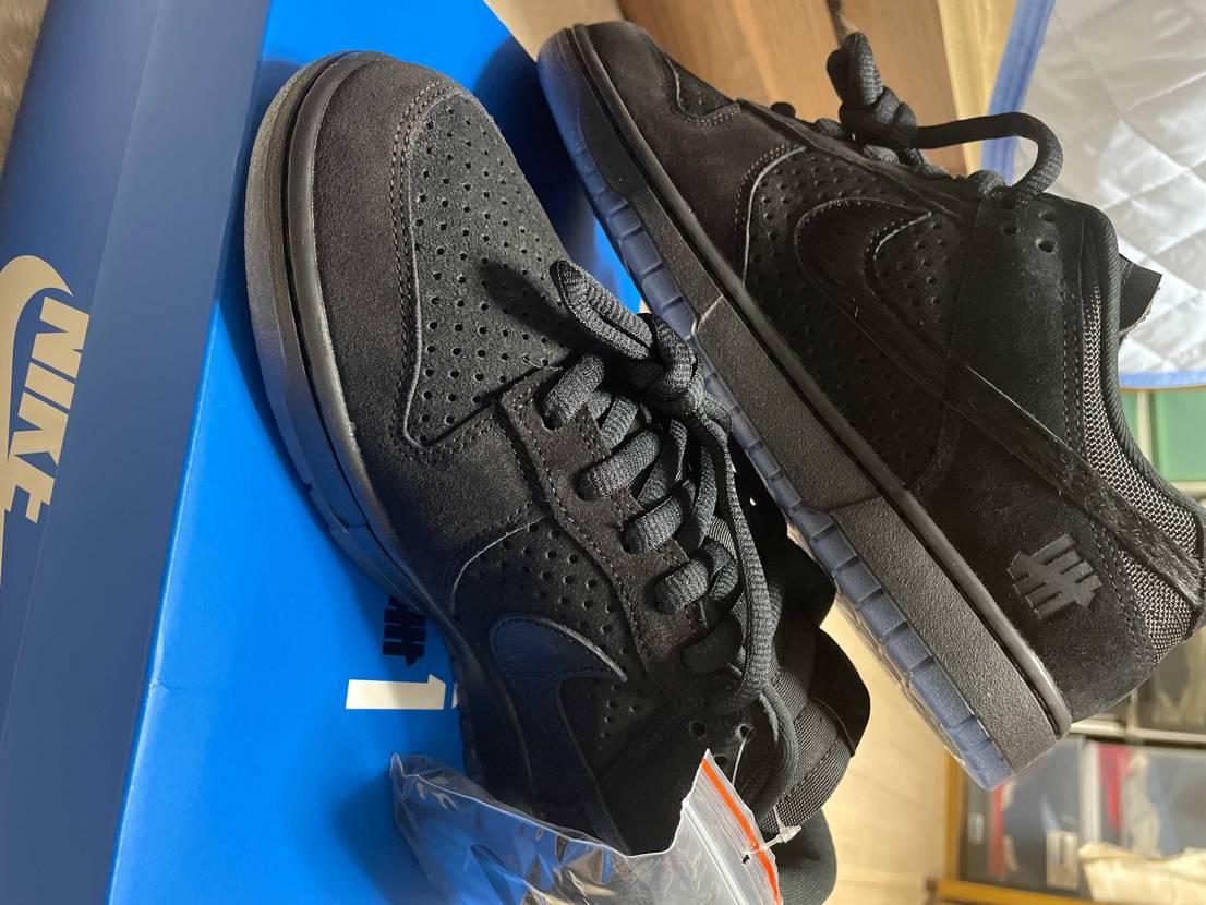 届いた! 自分は黒い靴あまり持ってないのですがこれはカッコいい。 実物は思っ