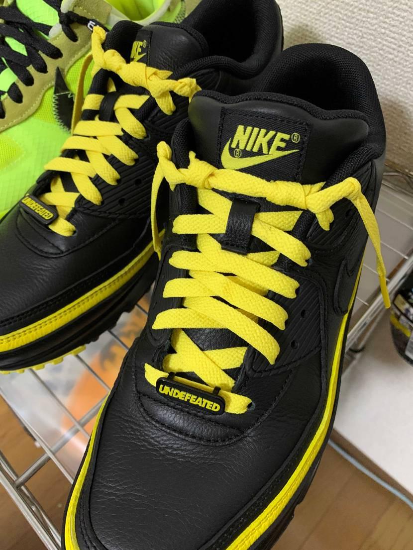 靴ひもを結ばないで出すのカッコいいなーって見てたんですが、足の形が歪でなかなか真