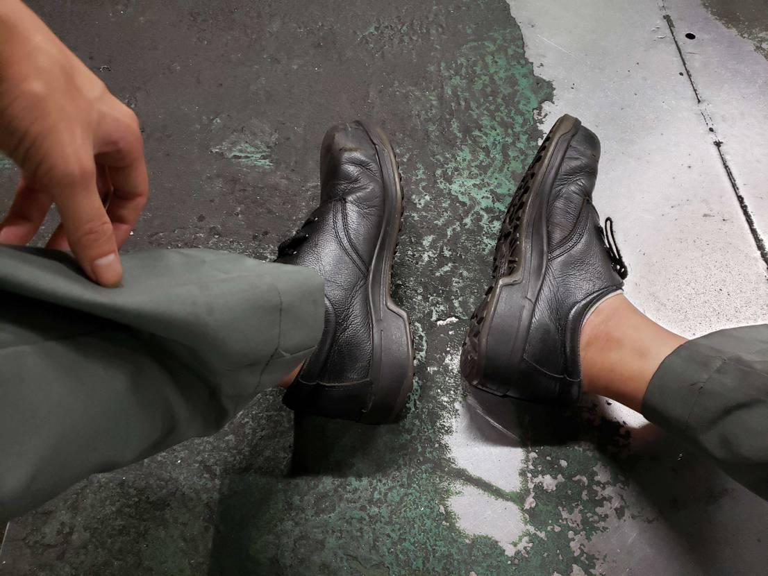 お盆はずっとこのスニーカー履いてました。 めちゃめちゃ頑丈で、安全です!!!笑笑