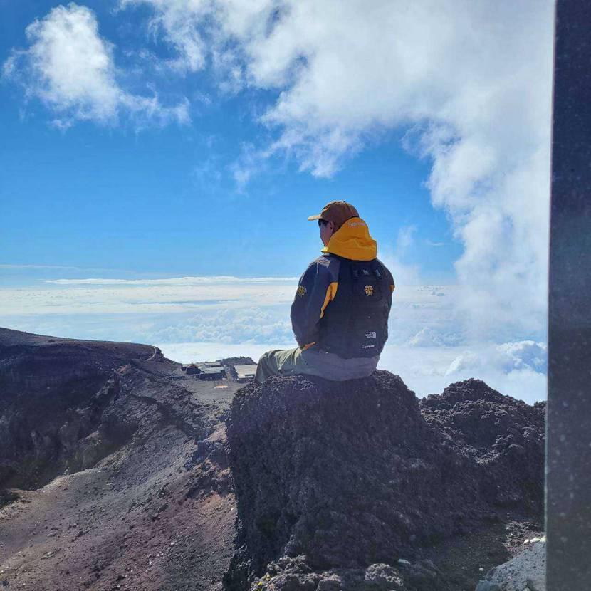 富士山登頂しました! 最高に気持ちいいです😍😍😍
