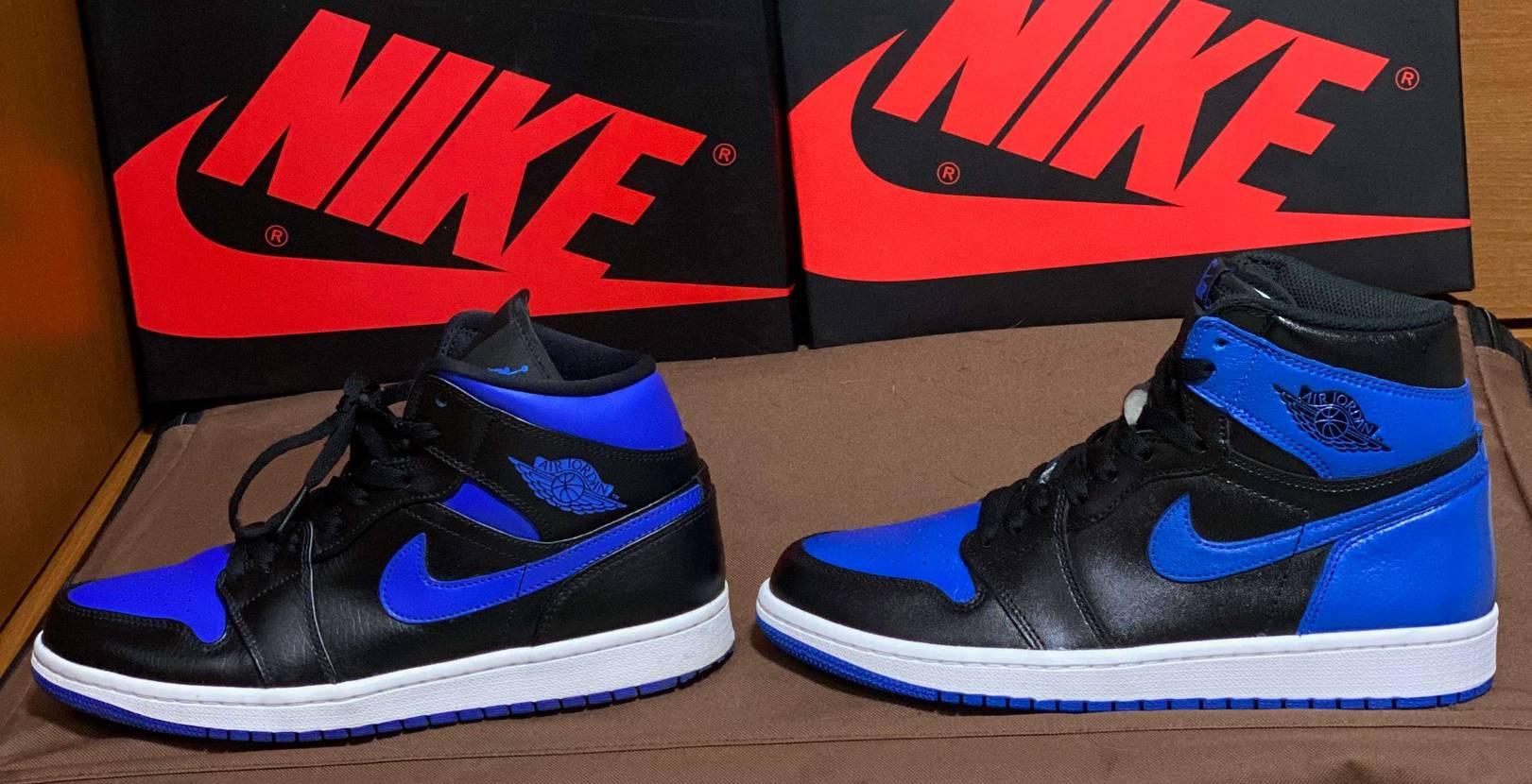 ロイヤルとMidのブラック/ブルー比較。 色味も割と違う。(写真下手なのでわかり